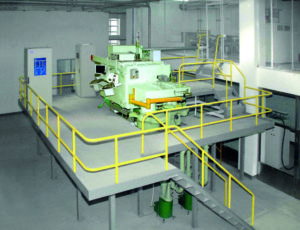 Rys. 1. Ogólny widok instalacji do wytwarzania materiałów kompozytowych w technologii napylanie próżniowego.