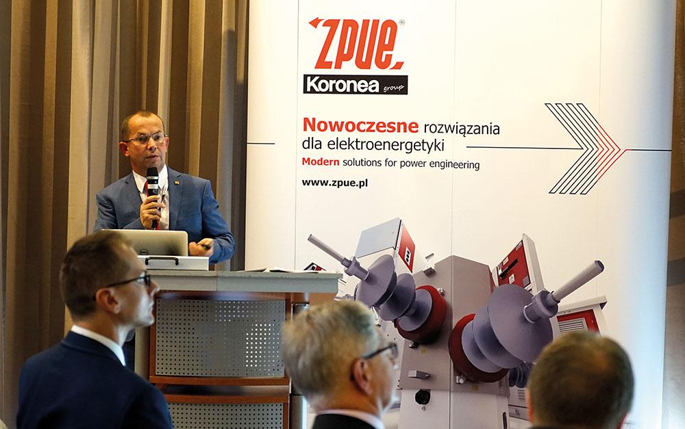 Prezes ZPUE S.A. Andrzej Grzybek rozpoczął panel wykładowy